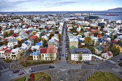 Reykjavk (old) centre (Coldpix) Tags: iceland harbour reykjavik snfellsjkull reykjavk sland hallgrmskirkja snaefellsnes tjrnin leifureirksson reykjavikharbour icelandicparliament downtownreykjavk snfellsnespeninsula vision:outdoor=099