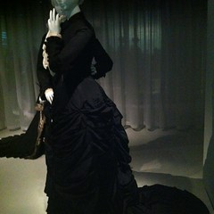Death Becomes Her (Merfa) Tags: newyork black fashion mourning victorian exhibition clothes metropolitanmuseum themet metropolitanmuseumofart metmuseum costumeinstitute deathbecomesher fashionhistory