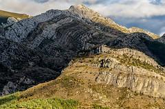 D3240-Montaa leonesa (Barrios de Luna) (Eduardo Arias Rbanos) Tags: sky cloud mountain landscape nikon paisaje cielo montaa nube cordillera mountainrange d90 mountainchain eduardoarias eduardoariasrbanos