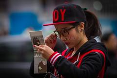 ADF_20140301_0600 (chiyowolf) Tags: chengdu sichuanprovince canoneos7d china streetscenes ef70200mmf28lisiiusm vanity teenager portrait ponytail baseballcap depthoffield facesofchengdu peopleofchengdu younggirl streetfashion lookinginthemirror 中国 travelphotography 成都 四川
