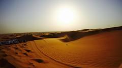 Sol del desierto (PhotoSebastian) Tags: dubai desierto