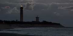 Phare des baleines (Michel Couprie) Tags: sea sky mer lighthouse france night clouds canon eos michel nuit phare ileder charente pharedesbaleines couprie ef300mmf4lisusm