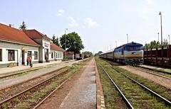 752 023-2 Strazske 22 Jun 16 (doughnut14) Tags: diesel rail slovensko slovakia grumpy nfp strazske zeleznicne 7520232