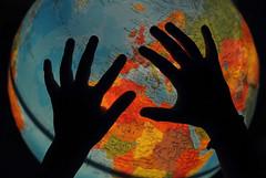 Peace (Jordi sureda) Tags: world blue naturaleza love colors photography one photo hands nikon colorful peace amor creative paz manos lovepeace fotografia nikkor pau mundo aigua peaceandlove creativitat creatiu jordisureda