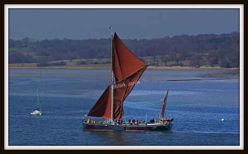 Barge sailing to Pin Mill