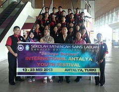 Rombongan SM Sains Labuan ke International Antalya Youth Festival 2013 di Antalya, Turki (Roslan Tangah (aka Rasso)) Tags: mobile photography hijab malaysia iphone malaysianphotographer mobileuploads roslantangah iphone4s