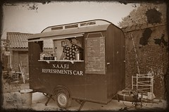 N.A.A.F.I. Refreshments Car (PictureJohn64) Tags: car army nikon traffic military transport historic commercial transportation bridgehead forces bussum routier refreshments leger lastwagen historique oorlog historisch histrico vervoer lastbil fuerzas naafi voertuigen krig 2013 lastebil landmacht historisk terrestres crailo d5100 landstreitkrfte picturejohn64 landstyrker