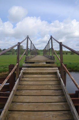 Wadenhoe, Bridge over the Nene.