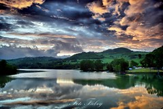 Tramonto al lago di San Ruffino (Vitafabrizio64) Tags: verde alberi lago italia tramonto nuvole colore rosa acqua marche prati nikond5000 flickrstruereflection3 rememberthatmomentlevel1 rememberthatmomentlevel2 rememberthatmomentlevel3 bestevercompetitiongroup