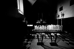 Il credente  uno che manca di fede in s stesso. (thescourse) Tags: bw church canon religion bn chiesa biancoenero blackandwithe sigma1530 canoniani canonitalia canoneos5dmkii eos5dmkii
