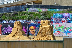 Spen Chum101 (Lord Cogsby) Tags: sculpture black rock graffiti sand brighton spen eminem chum101
