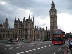 Clock Tower & Palace of Westminster (VioletMusic) Tags: city red bus london housesofparliament bigben clocktower londra citt redbus