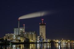 SWB Kraftwerk Bremen (die mobilen fotografen) Tags: canon eos nacht bremen kraftwerk strom langzeitbelichtung swb 60d blende8