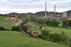Industria rural (Trenero EFC) Tags: españa plant train wagon tren la industrial power d central rail railway asturias locomotive carbon coal serie locomotora cuesta ferrocarril termica vagon arcelor carbonero ffcc aboño
