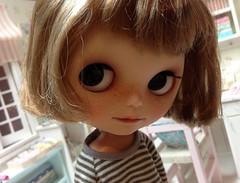 Ollie (Aya_27) Tags: cute smile doll sweet ollie blythe freckles lovely custom dollie vainilladolly vision:sunset=051 vision:sky=0528