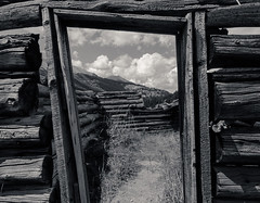 Gateway to the Rockies (B&W) (ewilfong) Tags: wood bw landscape blackwhite cabin colorado co ghosttown rockymountains aspen independence