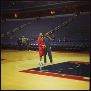 Sam Cassell attempts to give Eric Maynor some pre-game instruction. #wizards