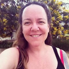 NA CHUVA. Pensem numa mulher feliz \o/ (o que os olhos vem) Tags: valencia square squareformat zel eus iphoneography instagramapp uploaded:by=instagram foursquare:venue=4d7b579679c4b1f7a40fe6f2