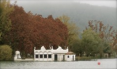 IMG_3923 (Isabel Aguado Rodrguez) Tags: paisajes house lake landscape countryside spot catalonia girona otoo touristattraction banyoles estanydebanyoles