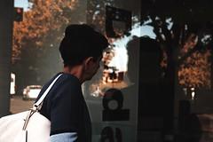 (windysmiles) Tags: city italien autumn trees light shadow sky italy orange woman trafficlights rome roma reflection fall leaves foglie alberi contrast self shopping licht donna italia selb himmel double ombre cielo stadt semaforo pensive doubt frau signal contemplative autunno schatten rom ampel baum windowshopping luce arancione citt riflesso doppio dubbio contrasto doppel pensieroso contemplativo s senseofdoubt gedank