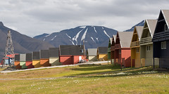58 Day 2 Svalbard - Longyearbyen (brads-photography) Tags: houses building capital multicoloured svalbard colourful spitsbergen settlement funicular longyearbyen timberbuilding