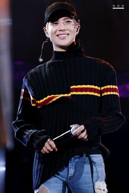 160507 Taemin @ Korea Times Music Festival en LA 26339444764_643cf727b9_z