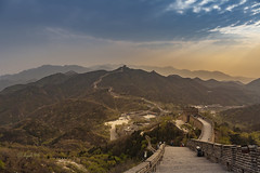 auf der chinesischen Mauer (hph46) Tags: china sunset canon sonnenuntergang ngc berge badaling mauer dunst chinesewall eos5dmkii flickrtravelaward