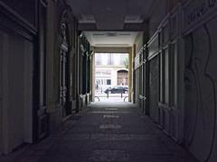 Aun queda mucho (Micheo) Tags: city marseille ciudad gentrification marseilles marsella restauracin restauration arreglos gentrificacion ruerepublique