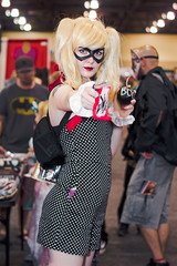 PHXCC 2016 - Sunday_0008 (Florentino Luna) Tags: phoenix arizona comicon phxcc phxcc2016 pcc convention center cosplay costume canon t5 1200d 50mm ef50mm f18 f18ii people portrait comic book character dc comics marvel eos rebel sunday harley quinn the joker bang phoenixcomicon phoenixcomicon2016 pcc2016