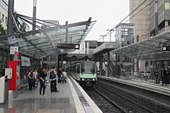 Bonn (Stadtbahn) (Jean (tarkastad)) Tags: germany deutschland tram lightrail streetcar allemagne tramway lrt tarkastad stadtbahn strasenbahn