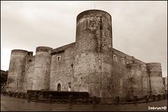 mastio catanese (imma.brunetti) Tags: pietre castello catania sicilia torri fenditure
