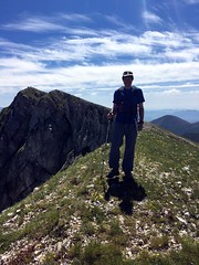 Me near Monte Pratillo, with Pizzo Deta behind (Photo: Edita Nichols) (markhorrell) Tags: walking lazio apennines montiernici