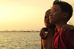 that's what friends are for (DOLCEVITALUX) Tags: friends sunset sea portrait boys bay philippines manila manilabay canonpowershotsx50hs