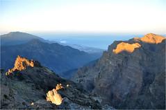 Sunrise at the Roque de Los Muchachos | 9 (elena_n) Tags: sunlight mountains sunrise island lapalma
