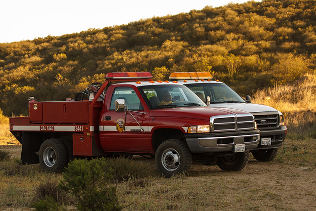 truck fire support dodge dozer ram bulldozer wildfire 3500 dosvientos 3441 calfire