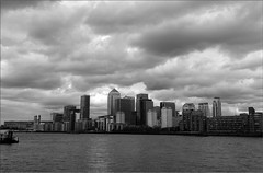 Storms clouds over Docklands (PaulHP) Tags: storm london rain thames clouds river gathering docklands