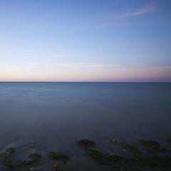 Horizon (Manu Nguyen) Tags: ocean morning sea mer motion water square eau horizon canon5d mouvement 1740l aube ocan formatcarr