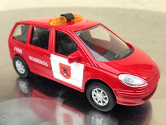 Cararama Seat Alhambra, Bomberos - Fire Department Car / Vehicle - Fire Chief Car Spain (firehouse.ie) Tags: rescue ford scale car metal vw volkswagen toy toys fire miniature spain model die seat chief models espana vehicles galaxy cast alhambra vehicle service emergency feuerwehr bomberos carrier appliance fuoco brandweer appliances brigade diecast pompiers feuerwehrauto sharan vigili bombeiros pompieri straz sapeurs fireappliance cararame