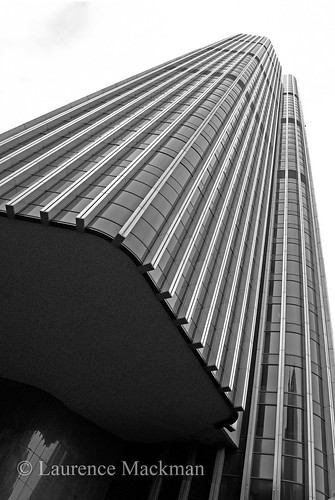 Tower42 219 E W BW