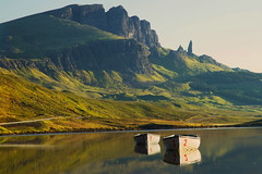 Twelve (been snapping) Tags: uk naturaleza skye water sunrise canon reflections landscape boats scotland 7d ecosse oldmanofstorr escosia