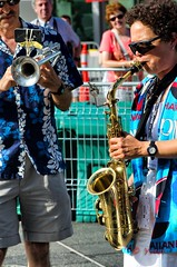 Et si on jazzait (Yasur.sur.Flickr) Tags: summer sun festival soleil outdoor trumpet jazz t saxophone saxo pleinair trompette