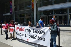 iPaid my taxes Apple should too (Steve Rhodes) Tags: sanfrancisco apple protest tax taxes wwdc badapple taxdodger taxfairness uploaded:by=flickrmobile flickriosapp:filter=nofilter wwdc13
