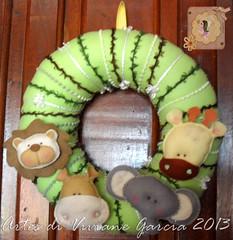 Porta Maternidade Safari (Artes di Viviane Garcia) Tags: baby safari guirlanda beb menino leo girafa elefante hipopotamo elefantinho enxoval safaribaby bichinhosdafloresta portamaternidadesafari enfeitedeportamaternidadesafari