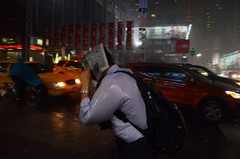 Read the News (Matthieu Bocktaels) Tags: newyork rain pluie timessquare