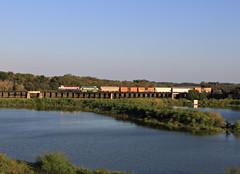 Miller Turn (GLC 392) Tags: dallas garland northeastern dgno 2001 nre 3gs21c miller turn railroad cfnr 105 texas tx water bridge train
