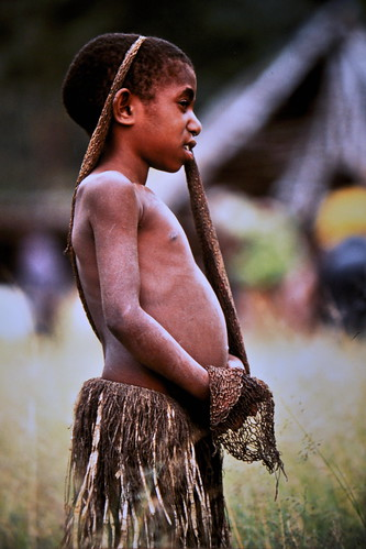 Western New Guinea - Baliem Valley - Dani Girl With Noken - 21