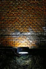Mattoni rossi (Ondablv) Tags: italy canon photography eos photo italia foto image photos tag images rosso luce galleria lampada buio lampadina immagine illuminazione immagini artificiale illuminata mattone 70d mattoncini fioca ondablv canoneos70d canon70d eos70d