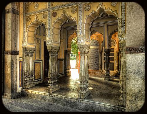 Jaipur IND -  The Palace Gate 03