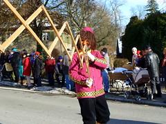 Hold On To Your Hat Feb 19, 2012, 9-50 AM (krossbow) Tags: costumes festival germany hats parade fasching umzug 2012 grabbers fasnacht fasnet takers stealers donaueschingen hfingen scissormen scheeremanne streckschere stretchingscissors