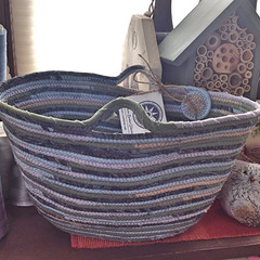 "Large Tote Basket #0565 • <a style=""font-size:0.8em;"" href=""https://www.flickr.com/photos/54958436@N05/16018178644/"" target=""_blank"">View on Flickr</a>"